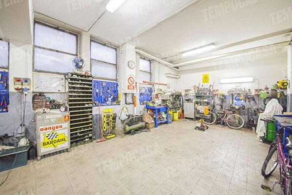 Locale Commerciale  in vendita a Milano, Affori Centro, 97 mq - Foto 11