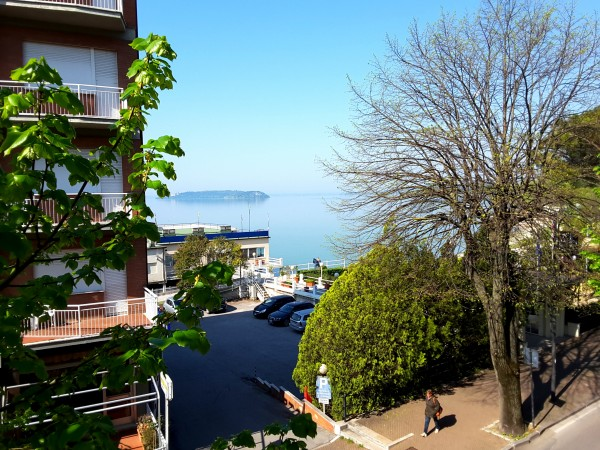 Appartamento in vendita a Passignano sul Trasimeno, Zona Lago, 100 mq