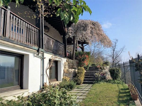 Casa indipendente in vendita a Castello Cabiaglio, 310 mq