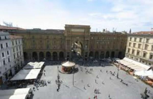 Locale Commerciale  in vendita a Firenze, Arredato, 3400 mq - Foto 4