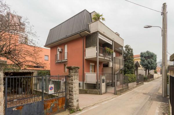 Appartamento in vendita a Cinisello Balsamo, Centro, Arredato, con giardino, 130 mq - Foto 4