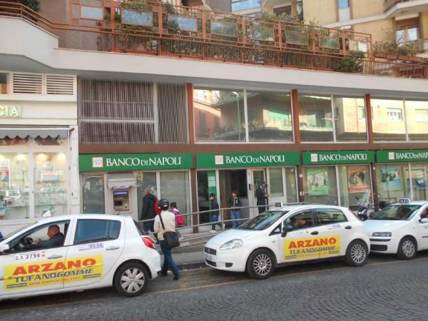 Locale Commerciale  in vendita a Napoli, Mergellina, 500 mq