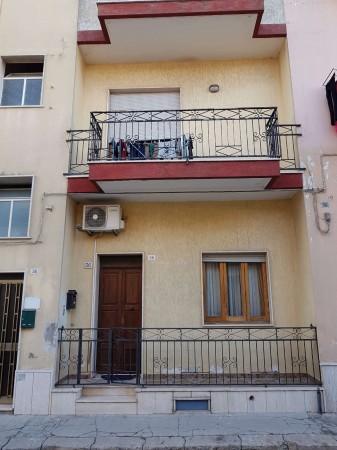 Casa indipendente in vendita a Copertino, Con giardino, 143 mq - Foto 2