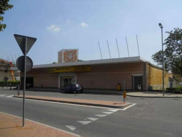 Locale Commerciale  in vendita a Orbassano, Orbassano, 1280 mq - Foto 1