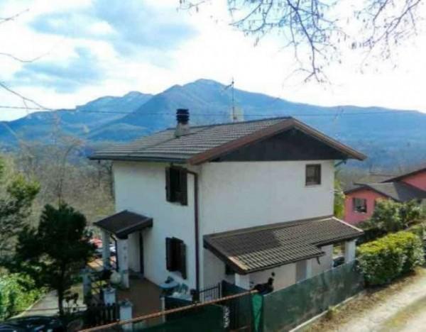 Villa in vendita a Casalzuigno, Nel Verde, Con giardino, 180 mq