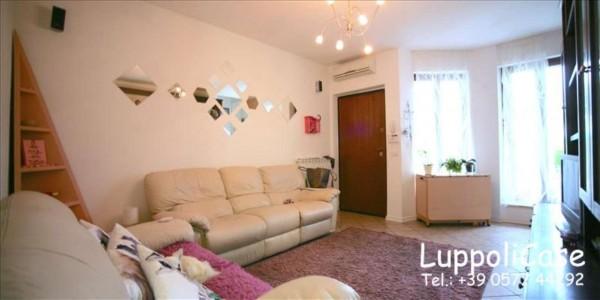 Appartamento in vendita a Castelnuovo Berardenga, Arredato, con giardino, 125 mq