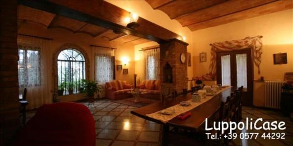 Villa in vendita a Monteroni d'Arbia, 600 mq - Foto 1