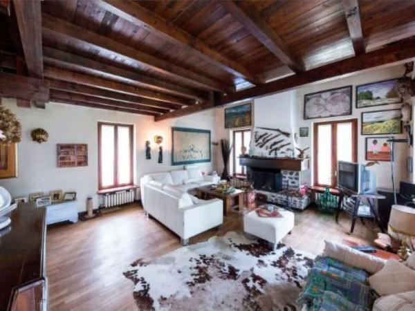 Villa in vendita a Casale Litta, Località Bosco Grande, Con giardino, 251 mq