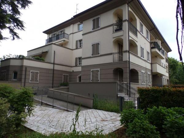 Appartamento in vendita a Lentate sul Seveso, Centro, Con giardino, 187 mq