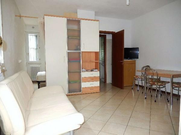 Appartamento in vendita a Forlì, Coriano, Arredato, con giardino, 40 mq