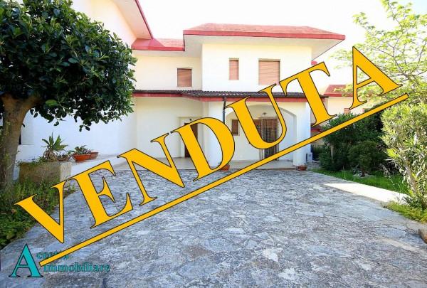 Villa in vendita a Taranto, Residenziale, Con giardino, 147 mq