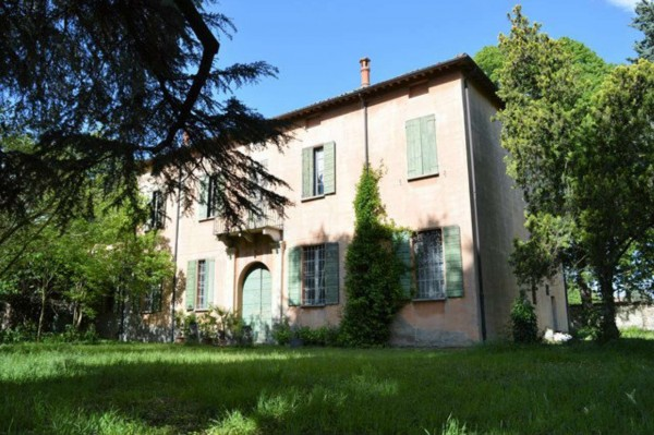 Villa In Vendita A Forl Carpena Con Giardino 700 Mq