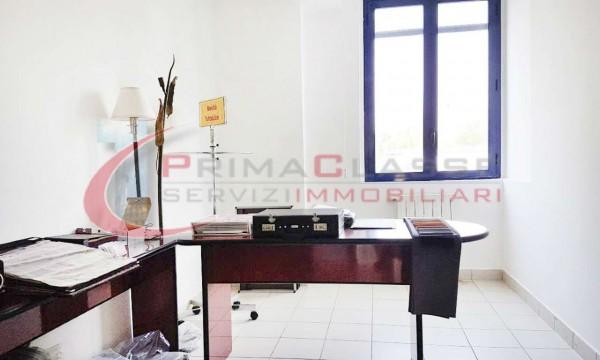 Locale Commerciale  in vendita a Peschiera Borromeo, 600 mq - Foto 5