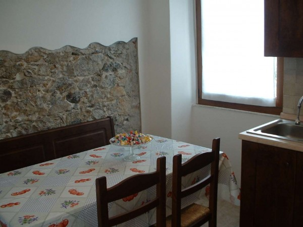 Casa indipendente in vendita a Ameglia, Montemarcello, Con giardino, 90 mq - Foto 2