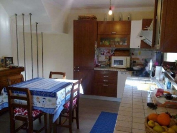 Casa indipendente in vendita a Arcola, Con giardino, 120 mq