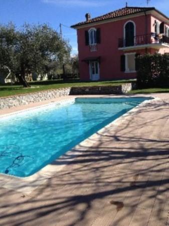 Villa in vendita a Sarzana, Con giardino, 180 mq - Foto 1