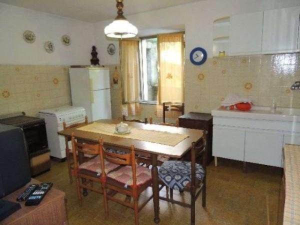 Casa indipendente in vendita a Pontremoli, Con giardino, 300 mq - Foto 10