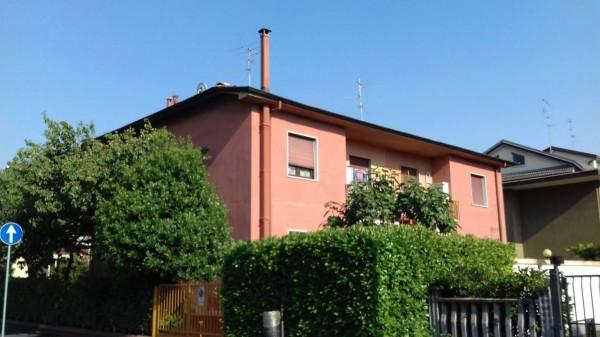Appartamento in vendita a Garbagnate Milanese, Con giardino, 97 mq