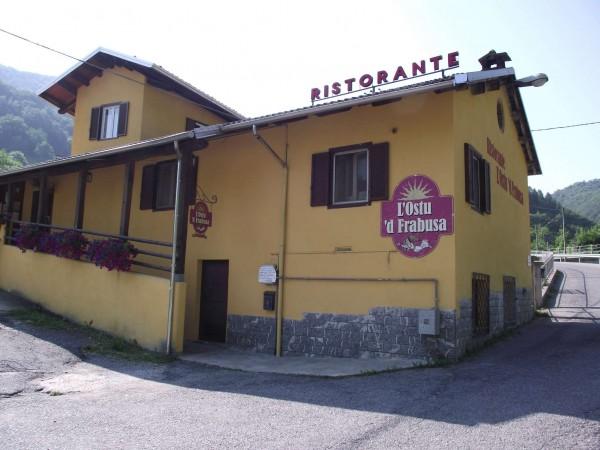 Locale Commerciale  in vendita a Frabosa Sottana, Centro, Arredato, 130 mq