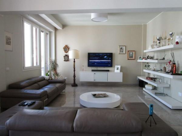Appartamento in vendita a Firenze, 230 mq