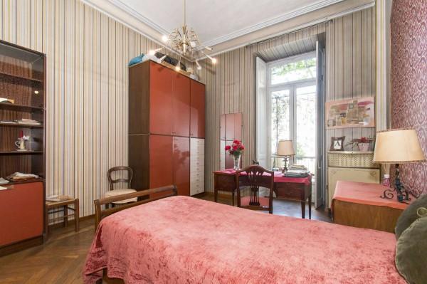 Appartamento in vendita a Torino, 175 mq