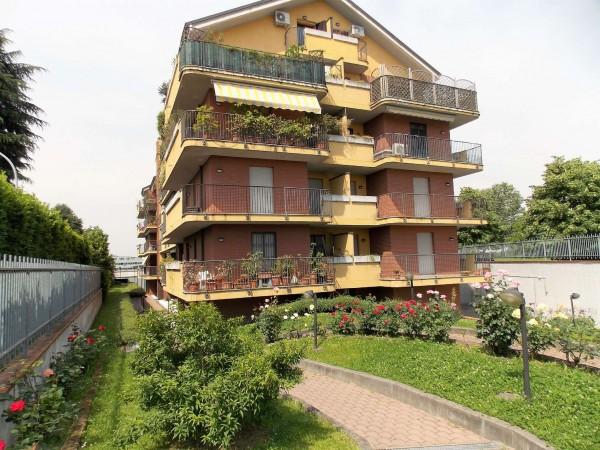 Appartamento in vendita a Rozzano, Con giardino, 130 mq