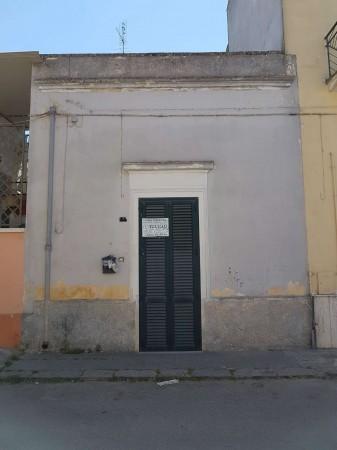Casa indipendente in vendita a Copertino, Con giardino, 85 mq - Foto 2