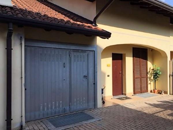 Villa in vendita a Casorezzo, Semicentro, 180 mq
