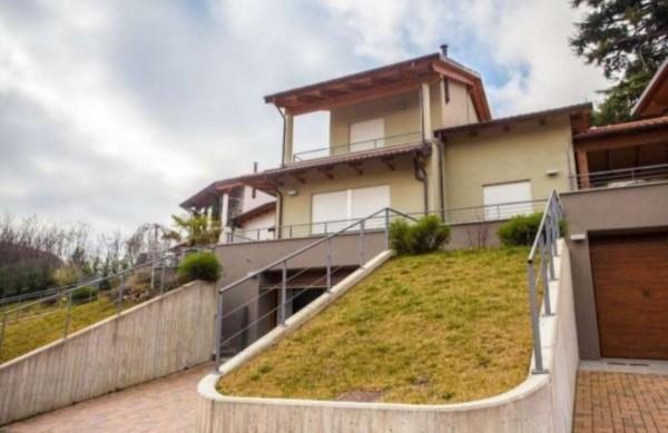 Villa in vendita a Pino Torinese, Residenziale, Con giardino, 200 mq