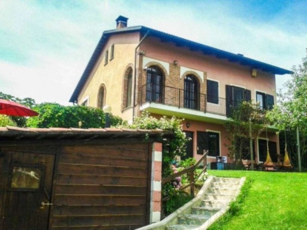 Villa in vendita a Pino Torinese, Con giardino, 430 mq