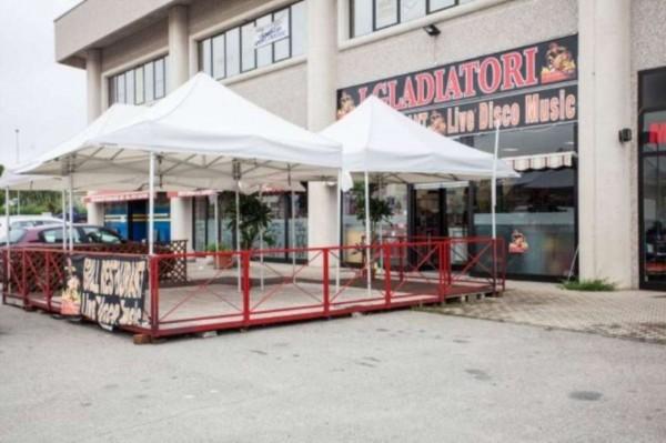 Negozio in vendita a Roletto, 330 mq - Foto 1