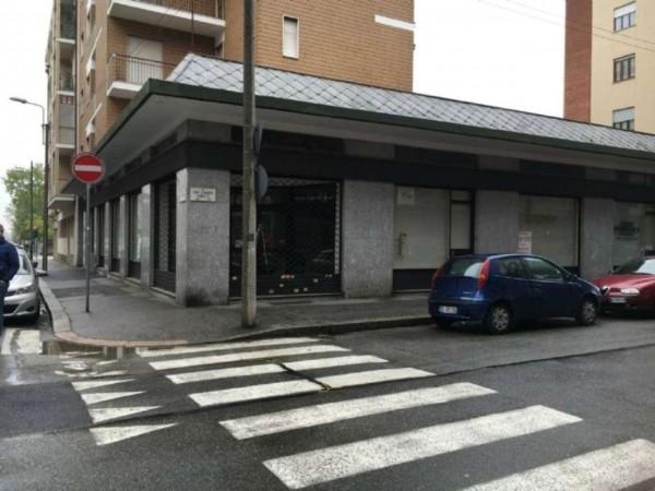 Locale Commerciale  in vendita a Torino, Residenziale, 1600 mq