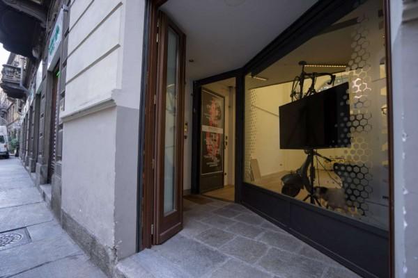 Locale Commerciale  in vendita a Torino, 140 mq - Foto 1