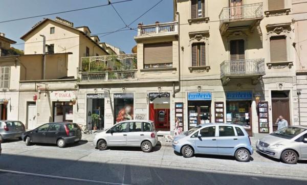 Locale Commerciale  in vendita a Torino, Residenziale, 90 mq