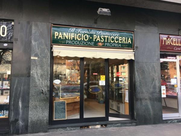 Locale Commerciale  in vendita a Torino, Residenziale, Arredato, 130 mq