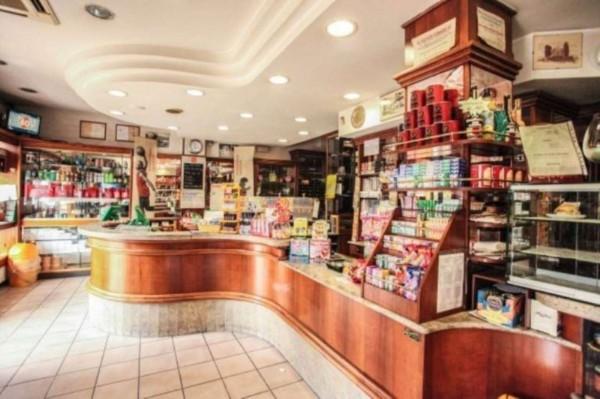 Locale Commerciale  in vendita a Asti, Arredato, 150 mq