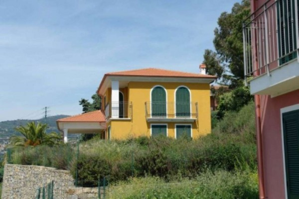 Villa in vendita a Bordighera, Con giardino, 211 mq - Foto 1