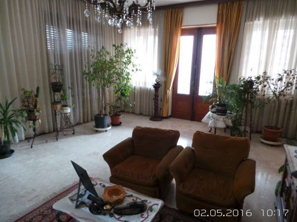 Casa indipendente in vendita a Cumiana, Centro, Con giardino, 400 mq - Foto 2