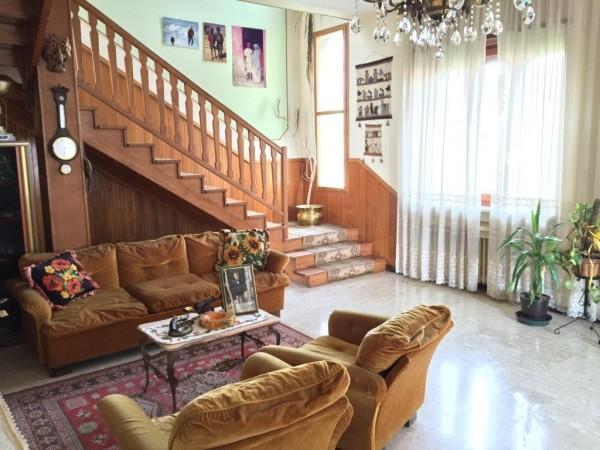 Casa indipendente in vendita a Cumiana, Centro, Con giardino, 400 mq