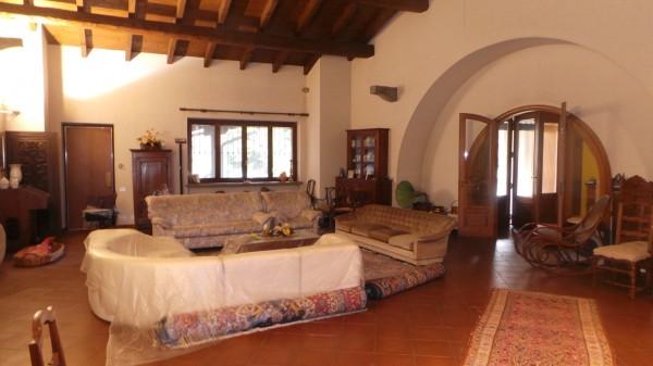 Casa indipendente in vendita a Pinerolo, Periferia, Con giardino, 675 mq - Foto 1