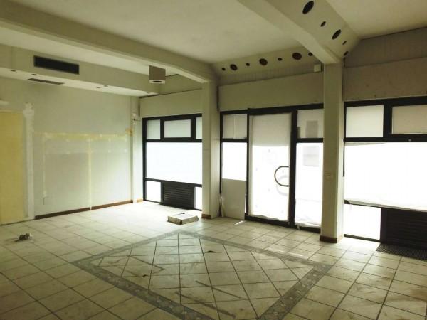 Negozio in affitto a Firenze, 80 mq