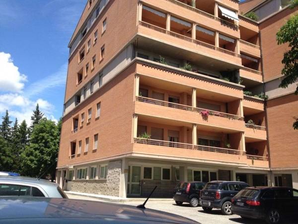 Locale Commerciale  in affitto a Perugia, Arredato, 50 mq