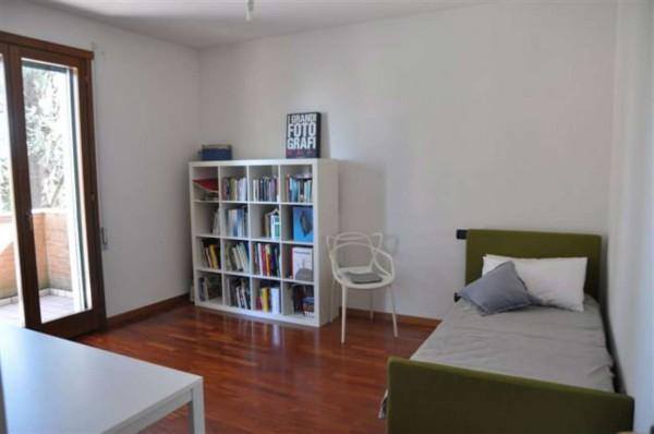Appartamento in vendita a Padova, Con giardino, 170 mq