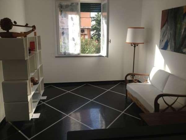 Locale Commerciale  in vendita a Genova, Albaro, Con giardino, 90 mq