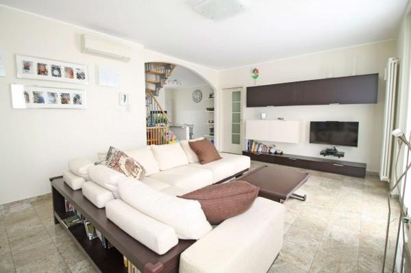 Appartamento in vendita a Cassano d'Adda, Stazione, 130 mq