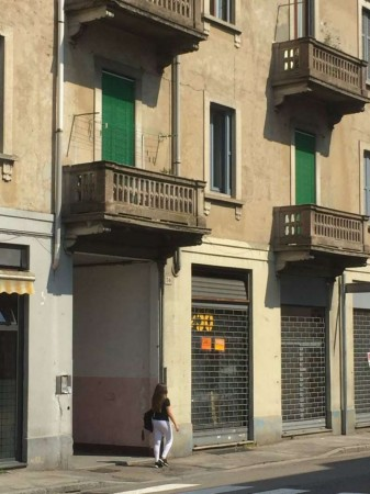 Locale Commerciale  in vendita a Varese, 24 mq