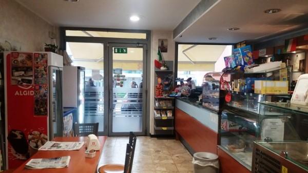 Cessione di locale commerciale  a Asti, San Rocco, 50 mq