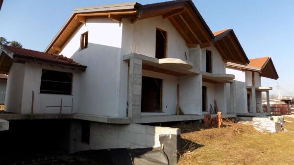 Villetta a schiera in vendita a Brebbia, 239 mq - Foto 1