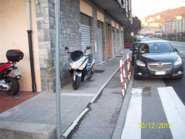Locale Commerciale  in vendita a Genova, Bolzaneto, 500 mq - Foto 1