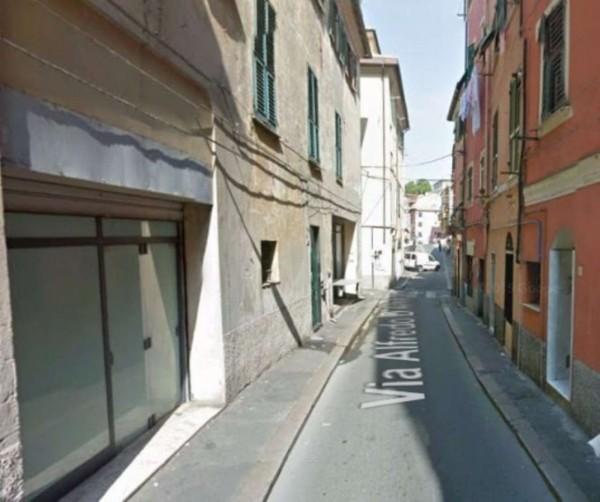 Negozio in affitto a Genova, Sestri Ponente, 50 mq